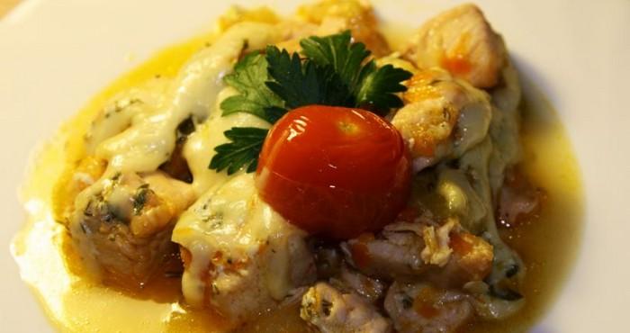 Курица с кабачками в сливочном соусе