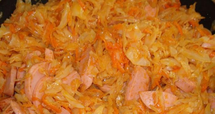 как приготовить солянку из капусты с сосисками