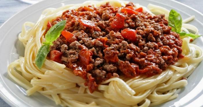 Спагетти «Болоньезе» с мясным фаршем