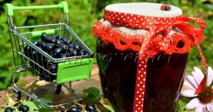 ягоды в тележке