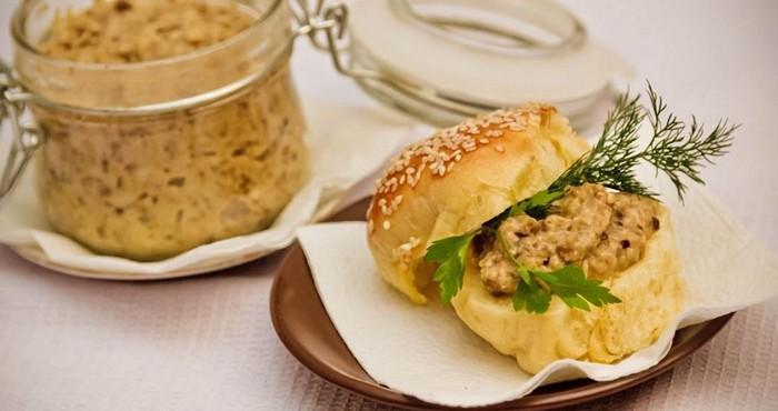 ароматная закуска с хлебом
