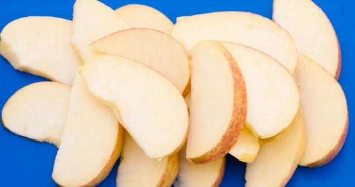 нарезка яблок дольками