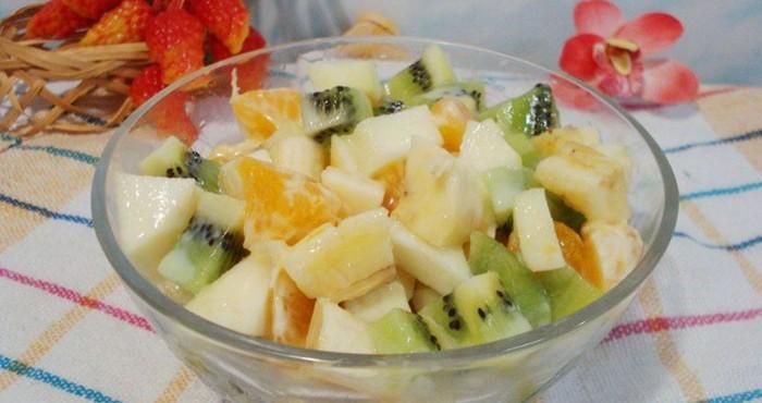 салат из фруктов с заливкой