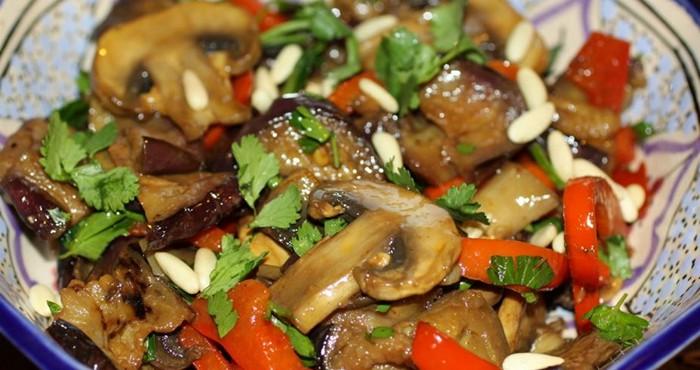 грибной салат с баклажанами
