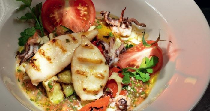 новогодний салат с морепродуктами