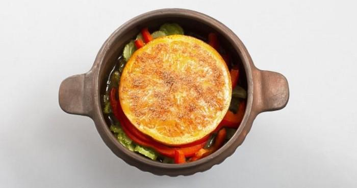 мясо с апельсином в горшочке