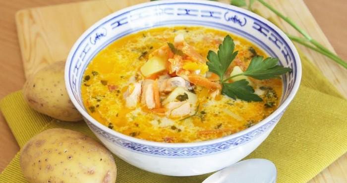 рыбный суп из консервов с сыром