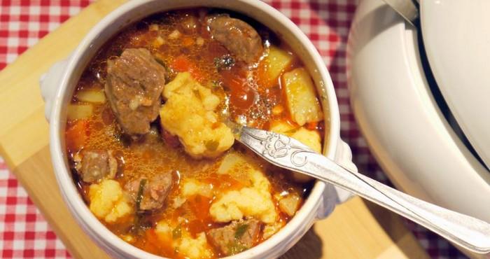 говяжий суп на бульоне