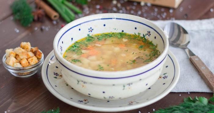 суп на курином бульоне с горохом