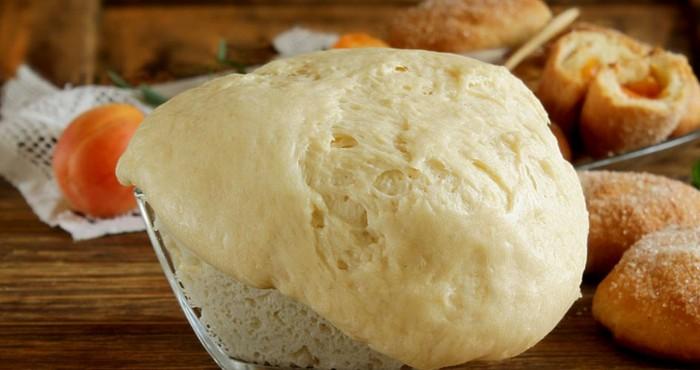 дрожжевое тесто на кефире для булочек