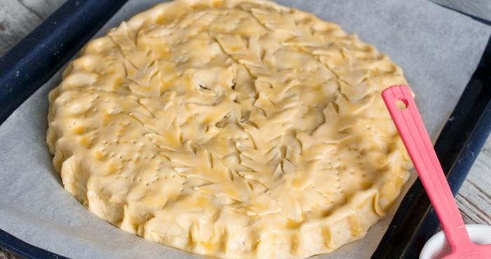 пирог, смазанный желтком