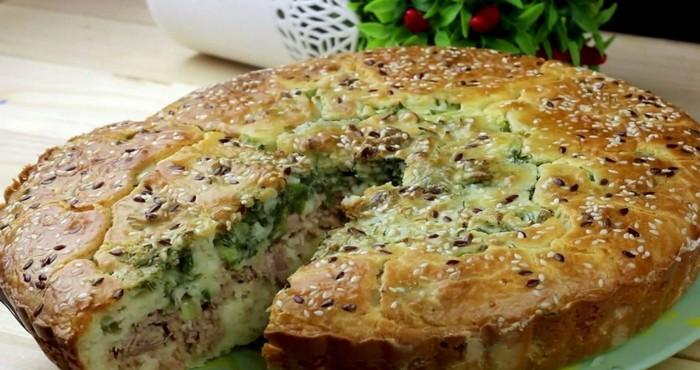 простой рыбный пирог с зеленью