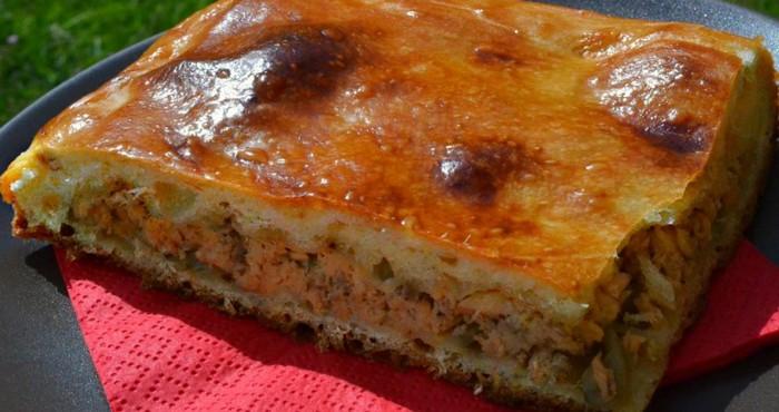 быстрый пирог из рыбы на пивном тесте