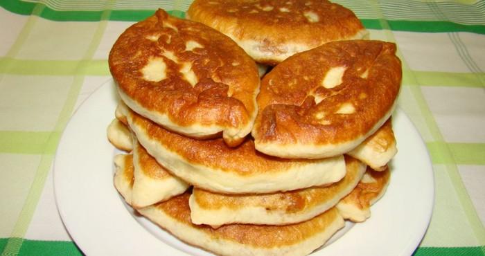 сладкие жареные яблочные пирожки