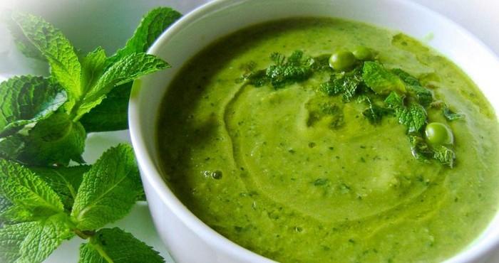 яркий суп-пюре из горошка