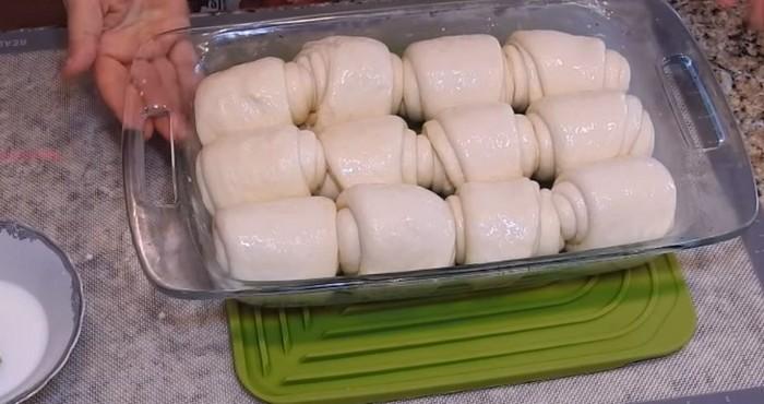 готовые к запеканию булочки