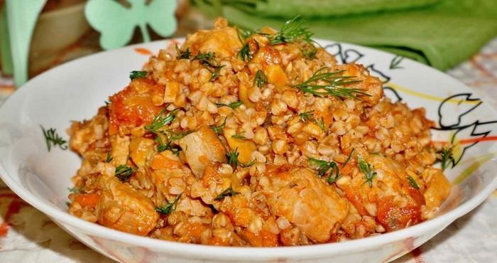 гречневая каша с курицей и томатным соком