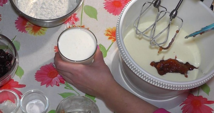 добавка кефира в тесто
