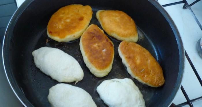 обжарка пирожков на сковороде