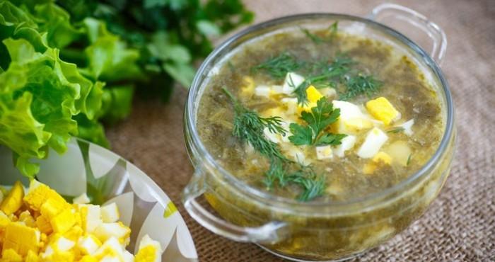 деревенский суп из щавеля с зеленью