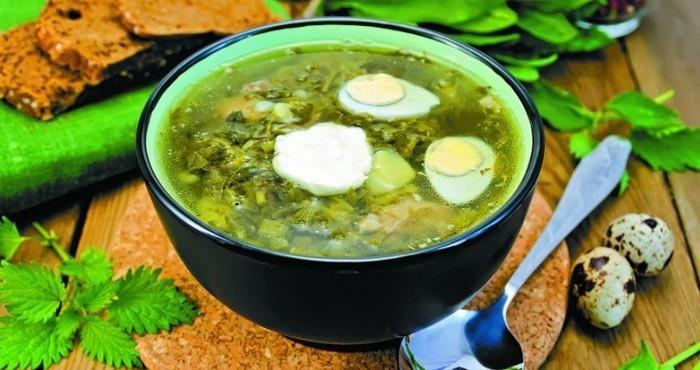 крапивно-щавелевый суп с яйцом