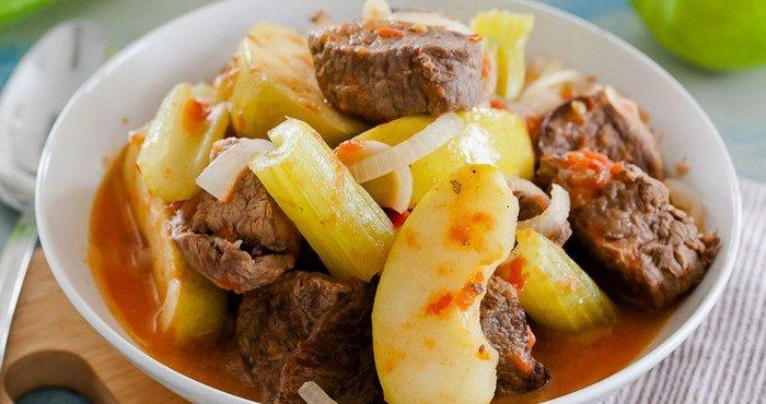 Рецепты необычных и простых горячих блюд к Новому Году Свиньи
