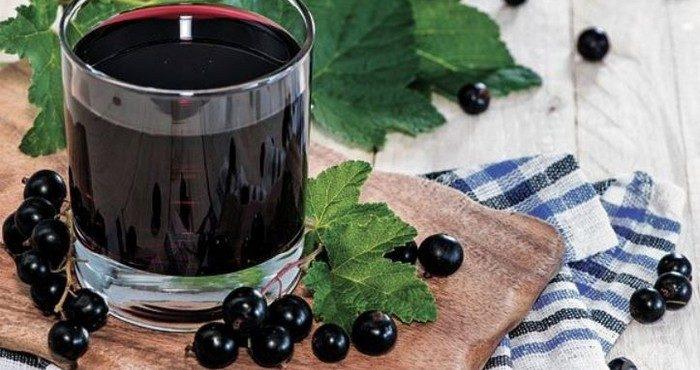 Компот из черной смородины — полезно и вкусно зимой