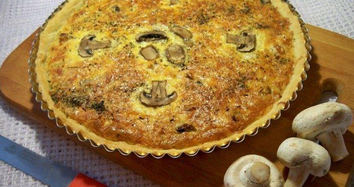 Как испечь лоранский пирог с курицей и грибами в домашних условиях