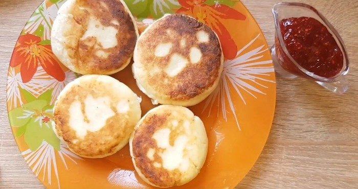 Проверенные рецепты приготовления сырников без яиц