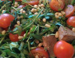 Как приготовить салат из печени говяжьей