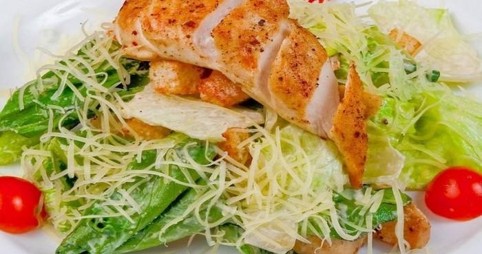 чем можно заменить соус цезарь в салате цезарь