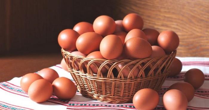 Где используют куриные яйца