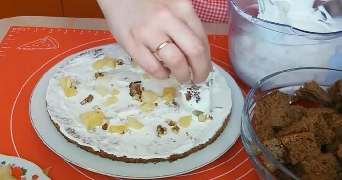 затем начинайте сбор торта