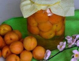 абрикосы в банке
