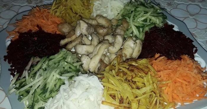 Салат «Козел в огороде» с курицей