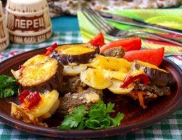 баклажаны с мясом и овощами