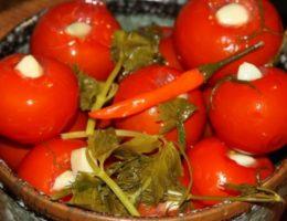 острые томаты в специях