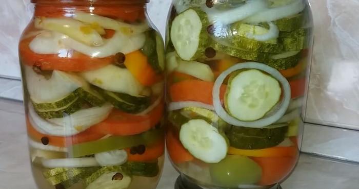 салат из овощей с маслом
