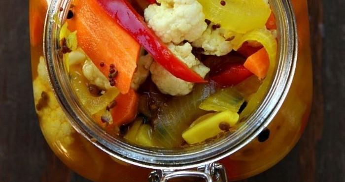 салат из цветной капусты с луком