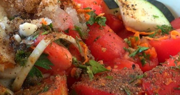 закрутка с помидорами и перцем