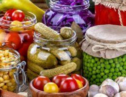 яркое ассорти из овощей