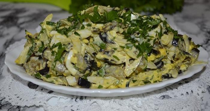 нежный салат с яйцом