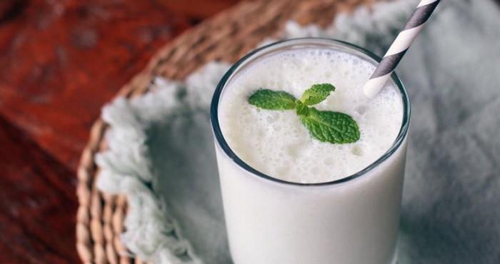 воздушный йогуртовый коктейль на новый год