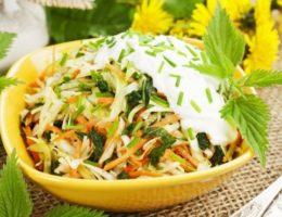 свежий салат из капусты и моркови