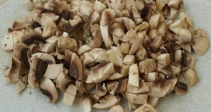 нарезка грибов кубиками