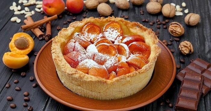 сладкая фруктовая выпечка