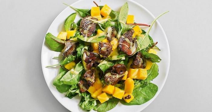 оригинальный салат с манго