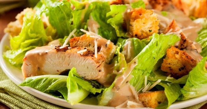 вкусный новогодний салат с анчоусами