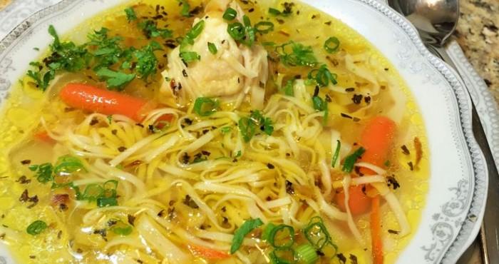 куриный суп с зеленью
