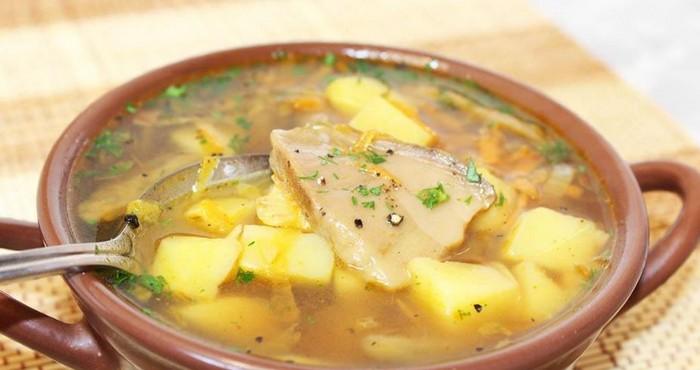 суп на бульоне с грибами